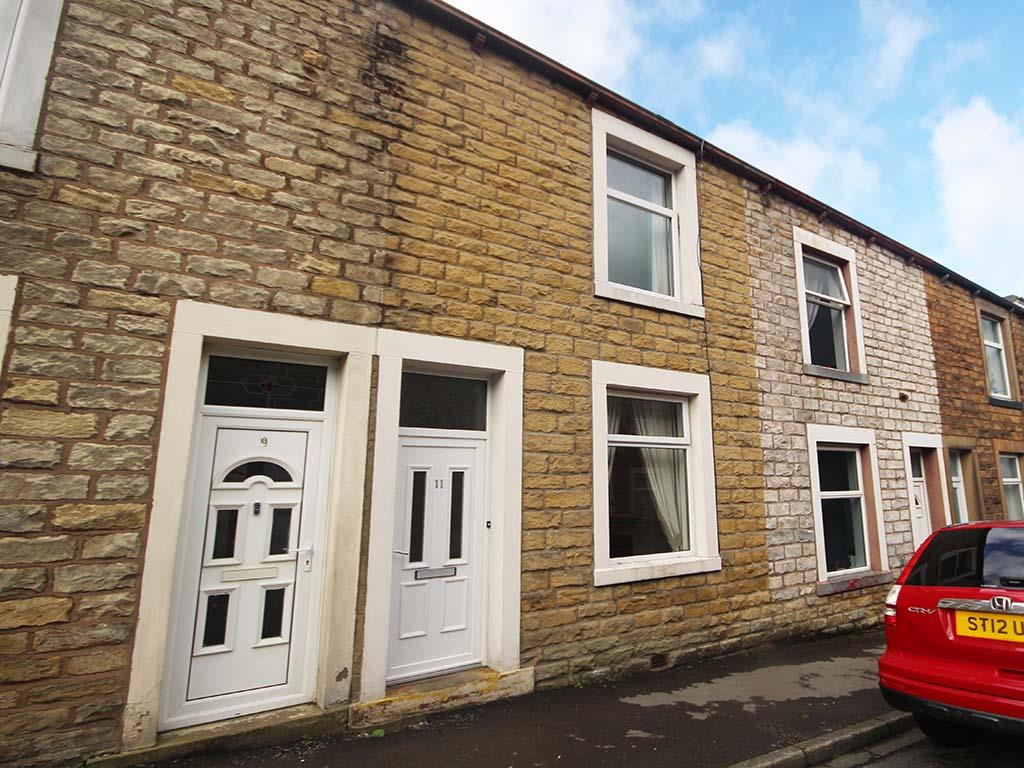 2 bedroom mid terrace house For Sale in Barnoldswick - IMG_7373.jpg